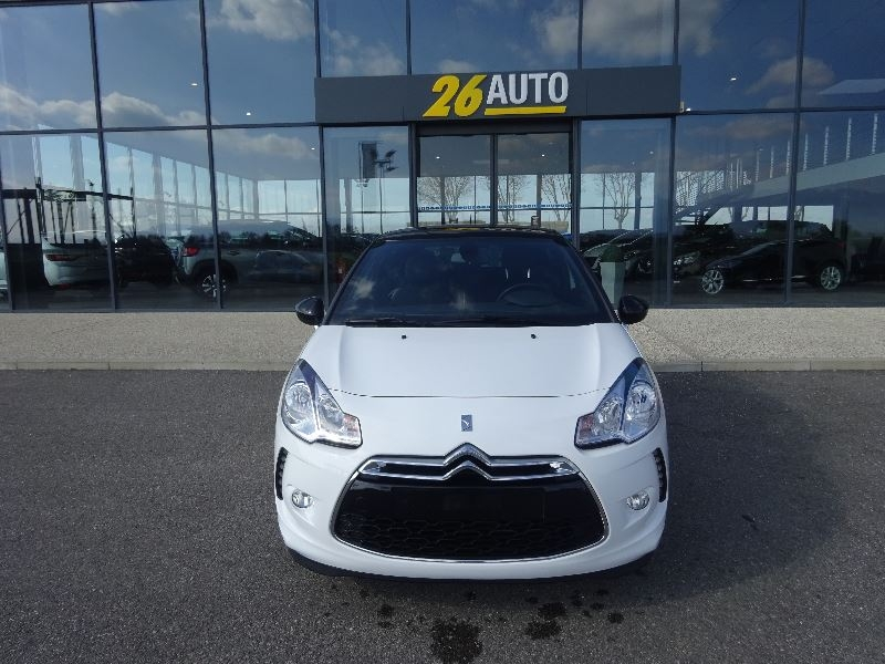 Ds DS 3 PURETECH 82CH SO CHIC Essence BLANC/NOIR Occasion à vendre