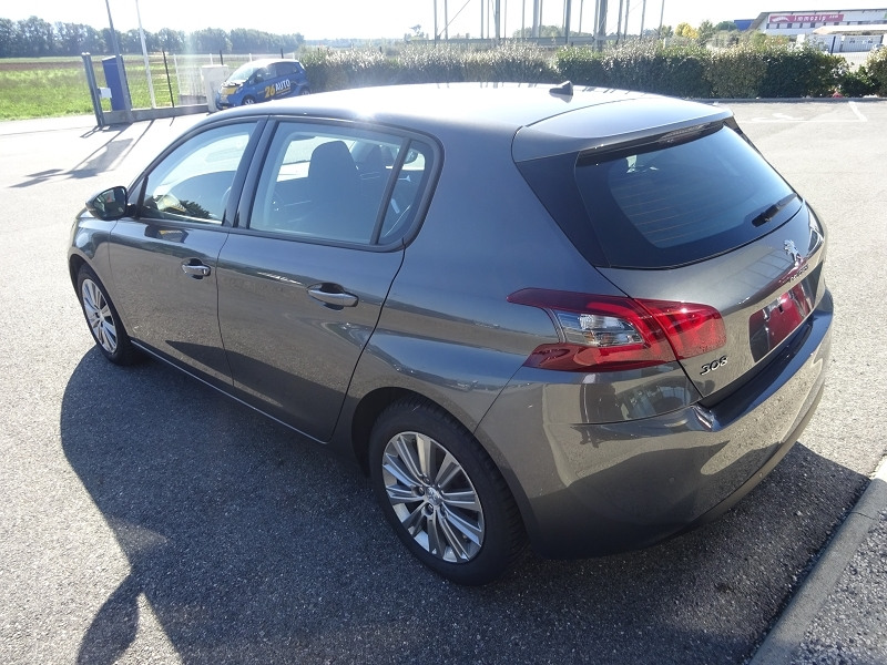 Photo 2 de l'offre de PEUGEOT 308 1.2 PURETECH 130CH E6.C S&S ACTIVE BUSINESS à 18990€ chez 26 Auto